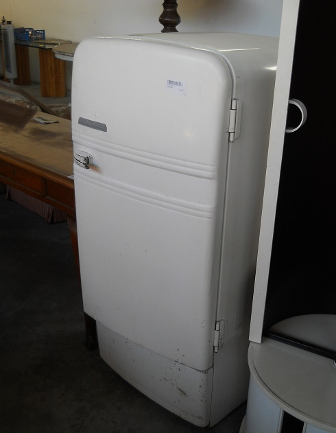 Complementi di arredo frigorifero fiat anni 50 foto for Frigorifero arredo