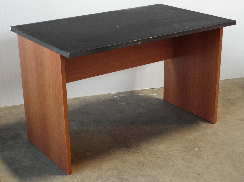 Scrivania legno sala salotto piano nero stile classico for Salotto classico moderno