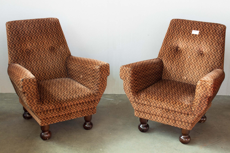 Coppia poltrone stoffa anni 50 60 vintage legno for Poltrone anni 50 60 vendita