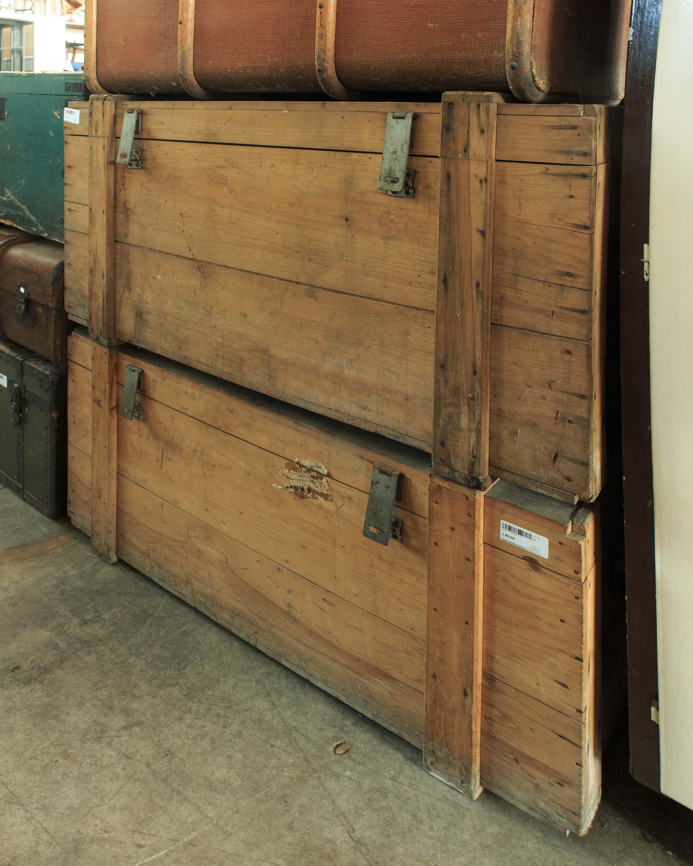 Vecchia coppia bauli legno vintage arredamento mercatino for Arredamento ludoteca usato