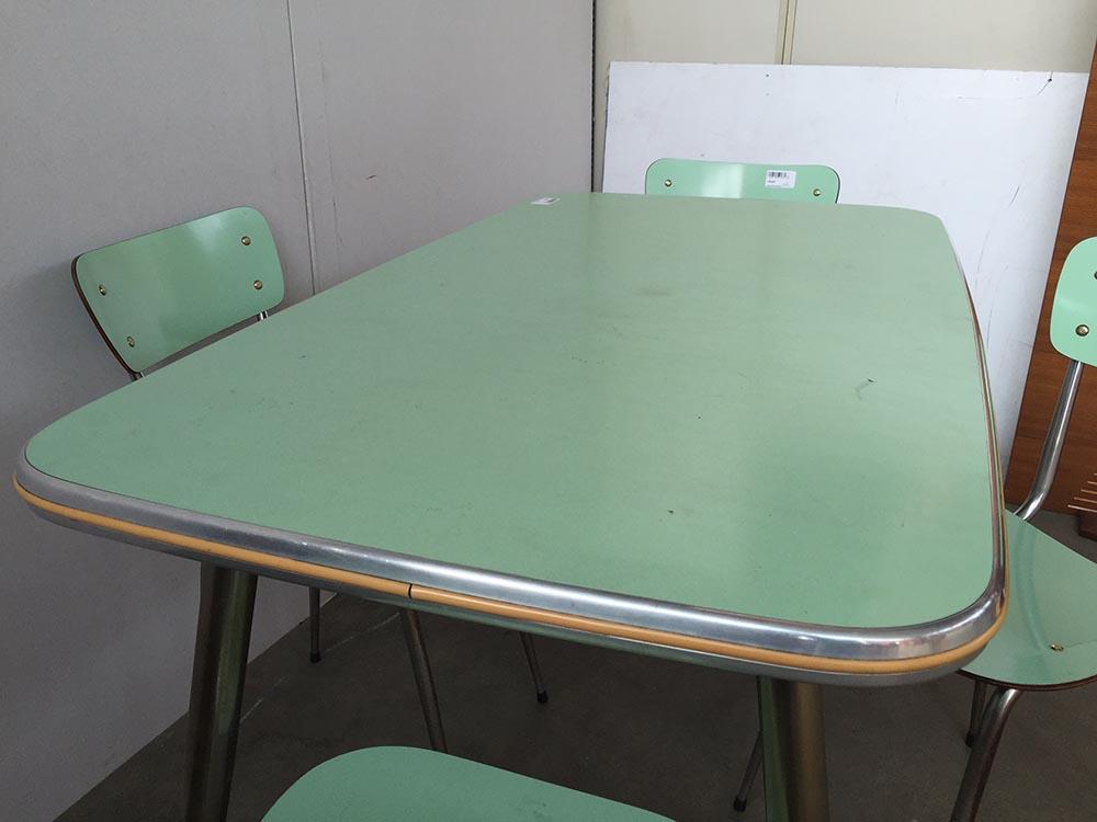 Tavolo Saarinen Usato : Tavolo formica verde anni mercatino dell usato eureka
